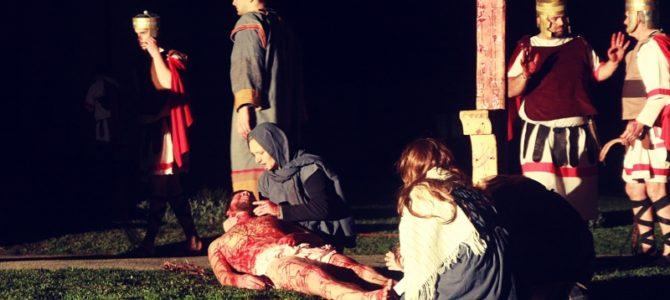 U Petrinji izveden scenski prikaz Pasija